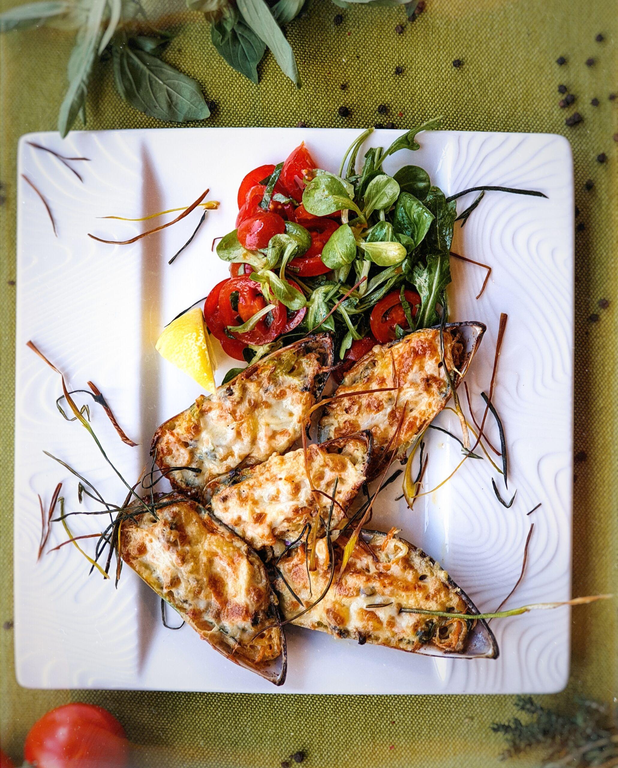 Мидии, запеченные с овощами Pinzeria by Bontempi Итальянский ресторан Волгоград пицца заказать