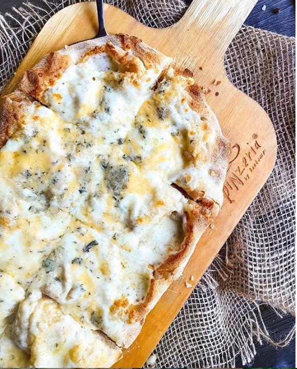 Пинца «Четыре сыра»