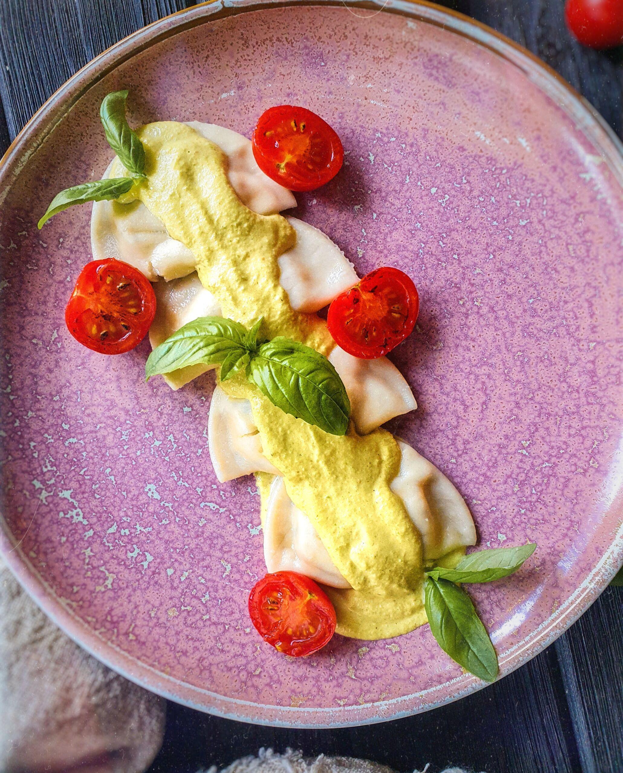Равиоли с рикоттой, креветками и с нежным соусом из кабачков Pinzeria by Bontempi Итальянский ресторан Волгоград пицца заказать