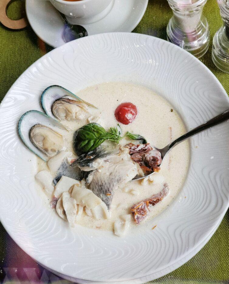 Рыбная похлёбка с морепродуктами